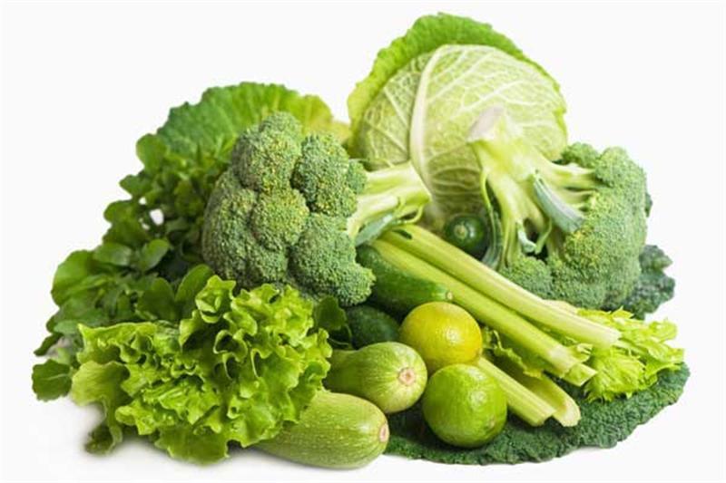 Овощи и зелень можно использовать для дневного кормления кур