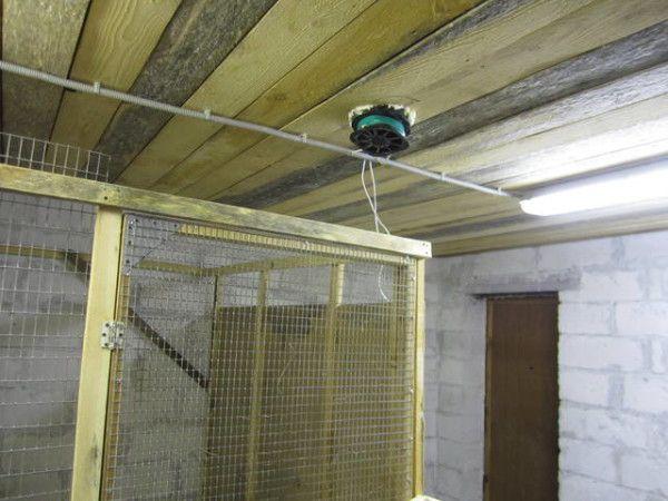 Входящая труба для вентиляции в потолке