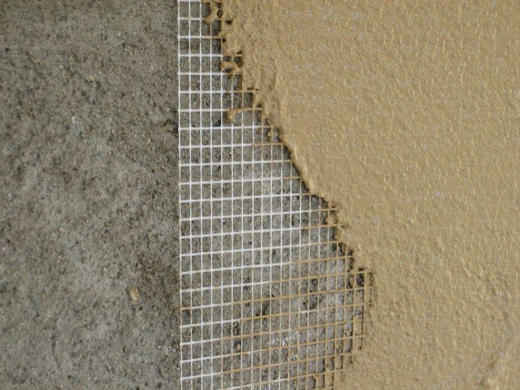 Обшивка стен птичника металлической сеткой
