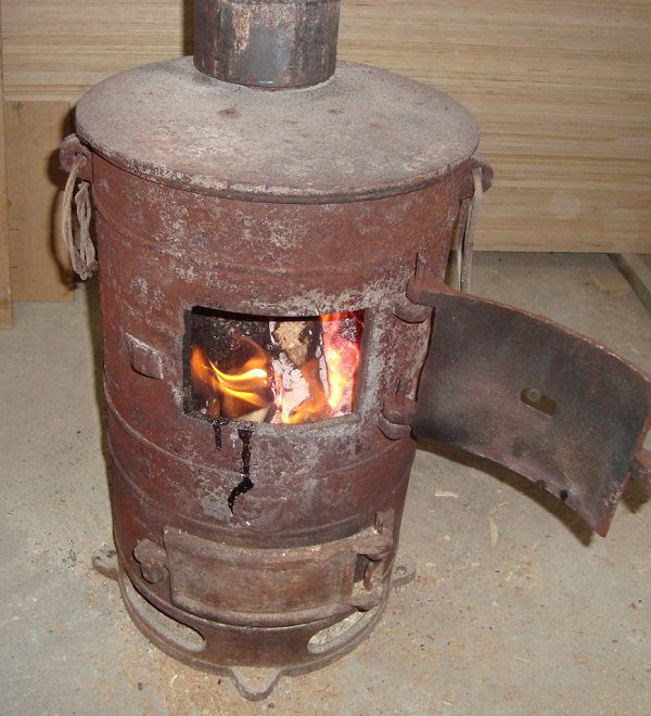 Печь-буржуйка для отопления курятника