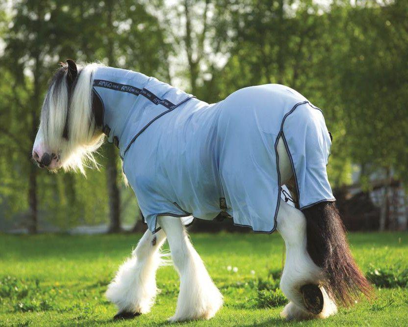 Попона Ваг и Гладиатор защищает шею лошади