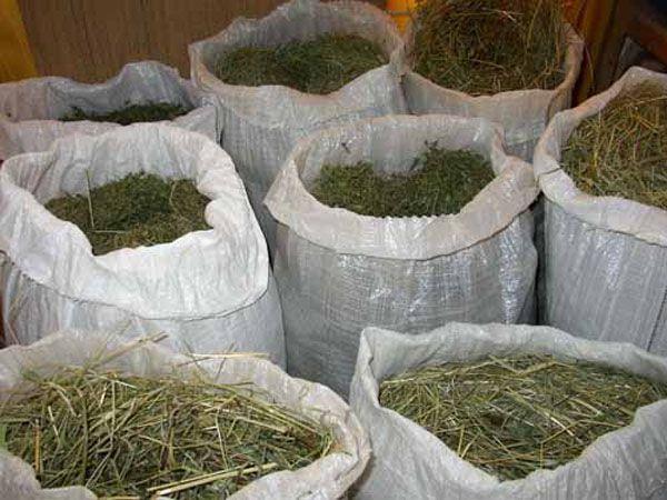 Хранение сена в мешках