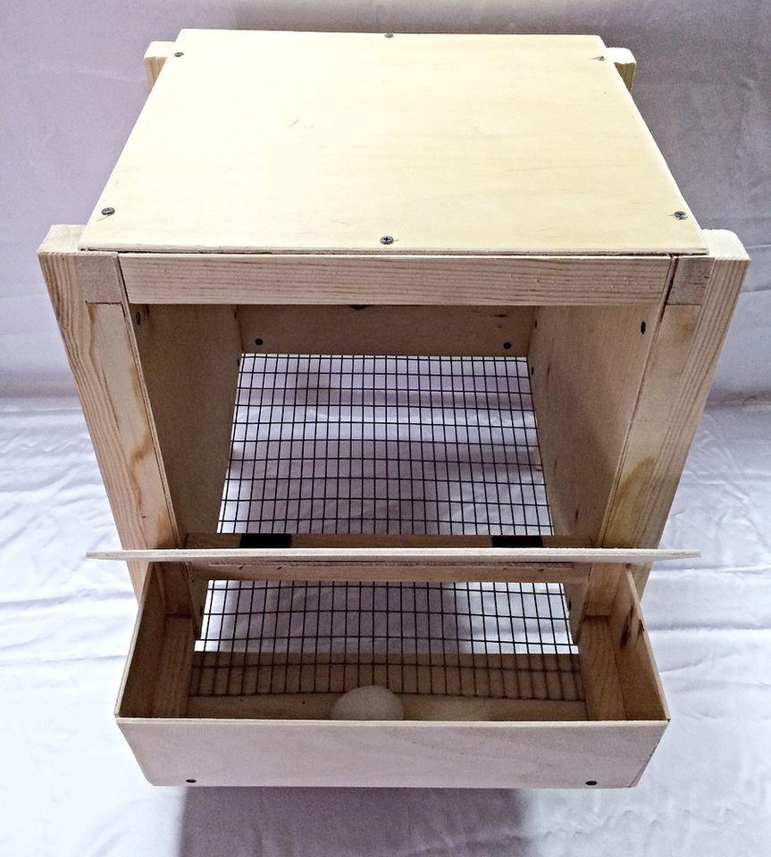 Гнездо с яйцесборником в виде контейнера