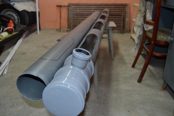 Разметка прорезей в канализационной трубе