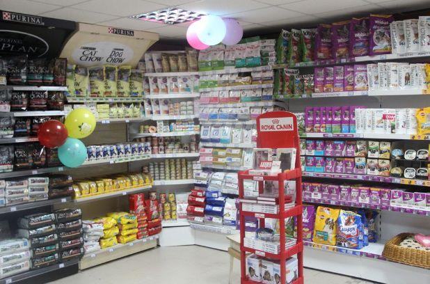 При выборе корма для животных, критериями выбора становится хорошая реклама, красивая упаковка и приемлемая цена