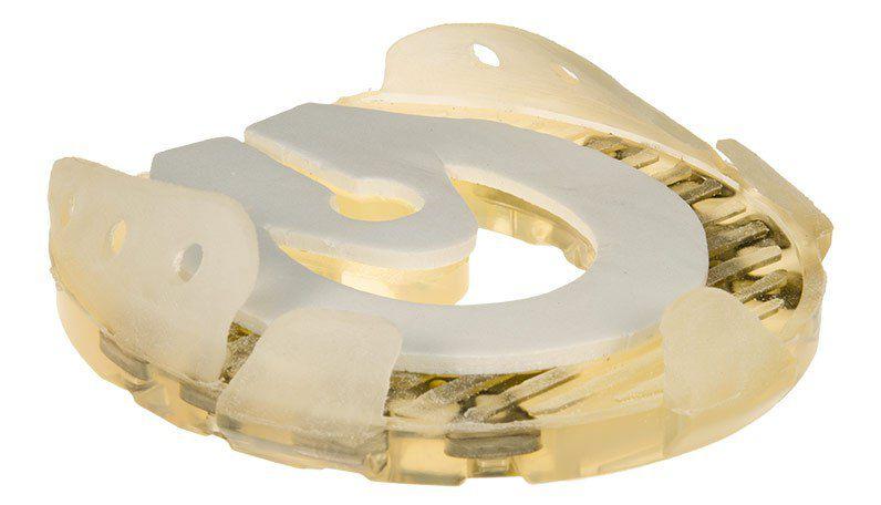 Вариант зимней пластиковой подковы с протектором
