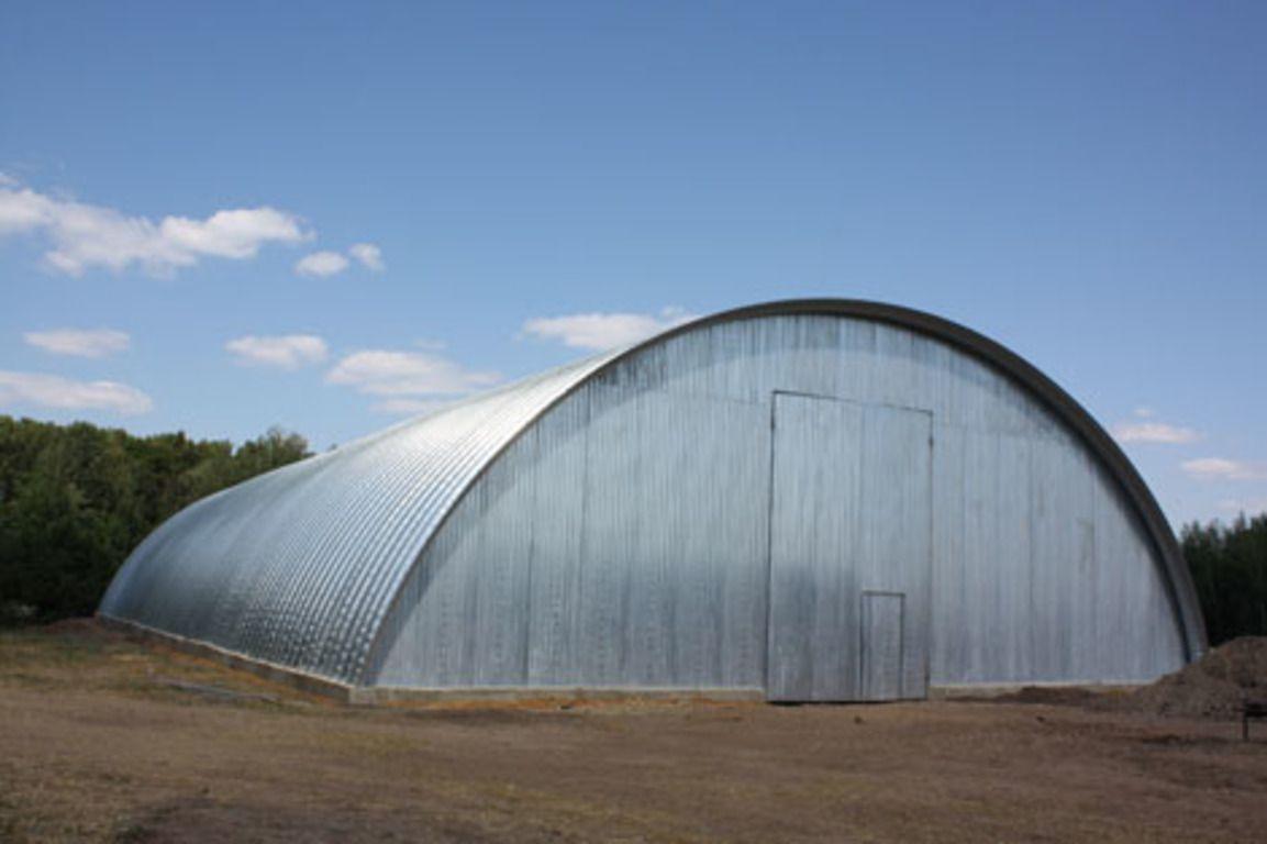 Помещение для хранения кормов должно быть чистым, сухим, защищенным от прямого попадания солнечных лучей и проникновения грызунов