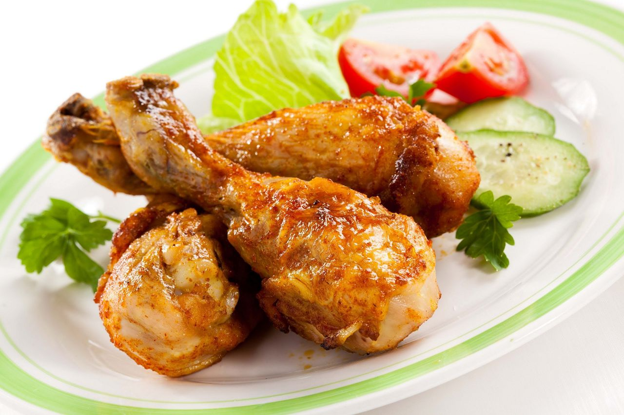 Чтобы лакомиться отменным куриным мясом без последствий для здоровья, лучше уберечь кур от пенопластовой зависимости
