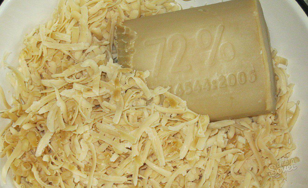 Хозяйственное мыло - незаменимая основа мыльного раствора для обработки пуха