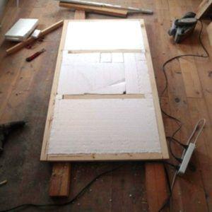 Изготавливаем корпус из фанеры. Утепляем стенки пенопластом.
