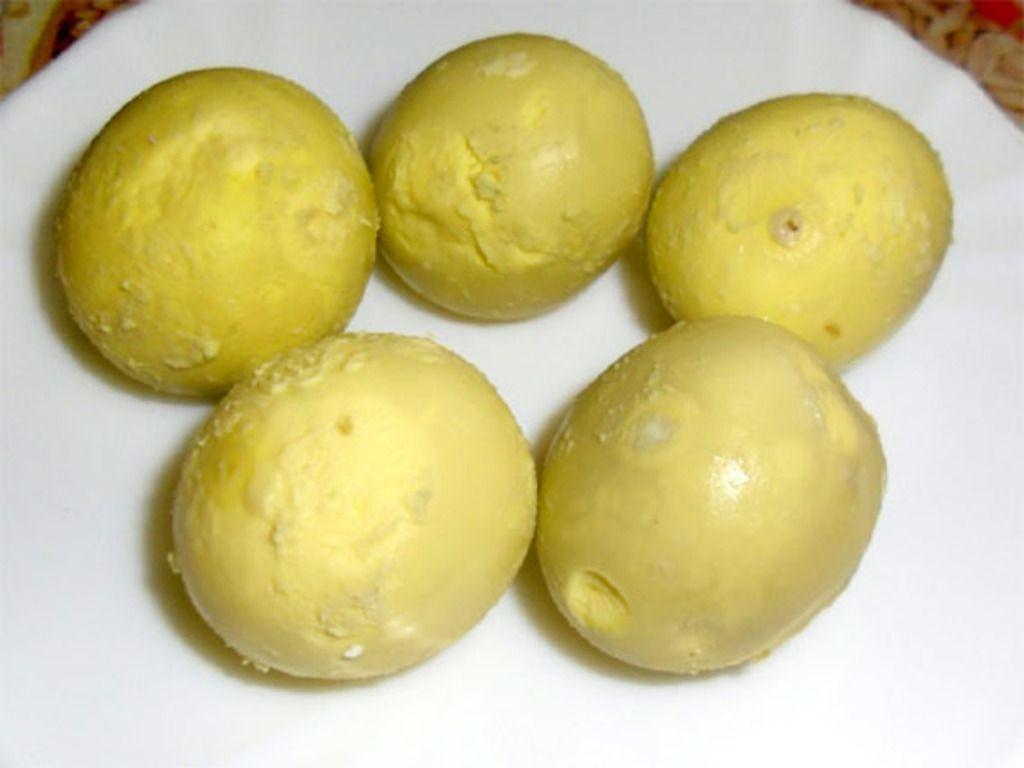 Желток, который после термической обработки приобрел зеленоватый оттенок, является пригодным для использования в кулинарии