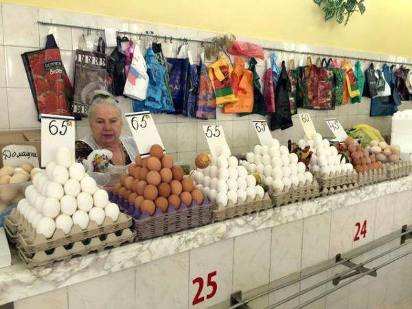 Самостоятельная реализация яиц на рынке