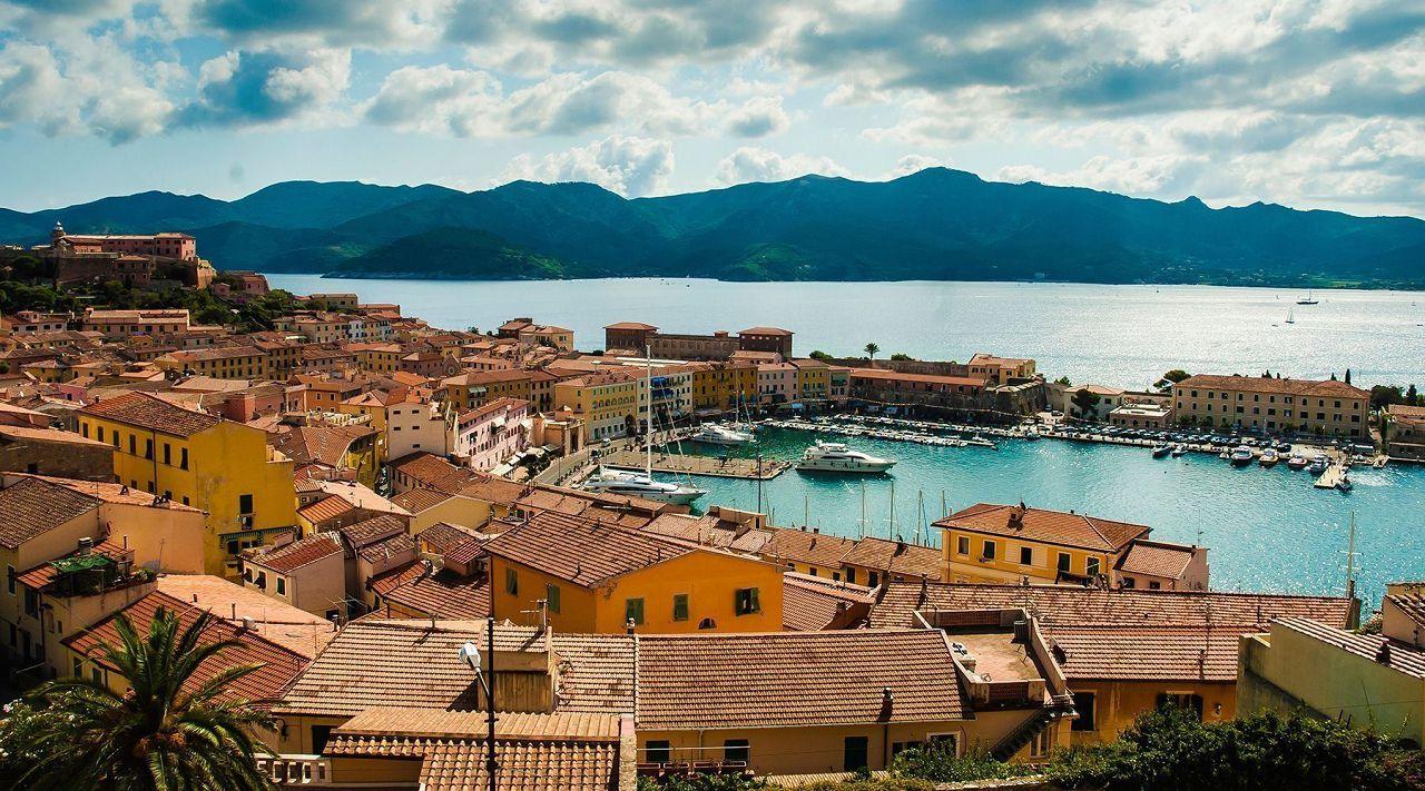 Порт Ливорно — родина кур породы Леггорн