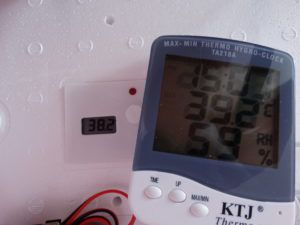 Разброс температуры в центре и по краям инкубатора до 1,5°C