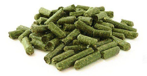 Травяная мука в гранулах продается в специализированных магазинах