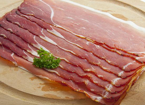Для того, чтобы отбирать свиней для получения бекона, следует учитывать особенности породы