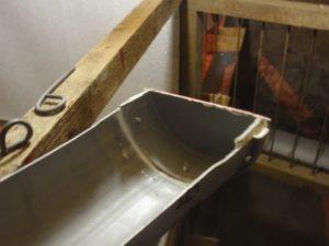 Приготовление данной поилки и срок ее службы зависит от материала самой трубы