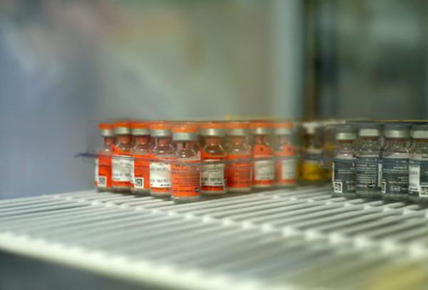 Все вакцины нужно хранить в холодильнике, если инструкция не указывает другого