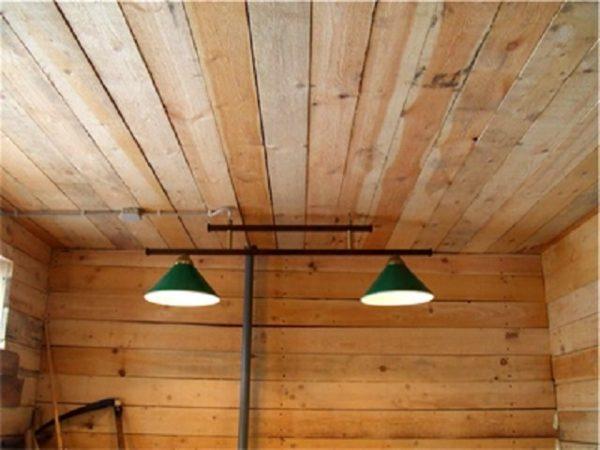 В утятник можно повесить самые простые лампы дневного света