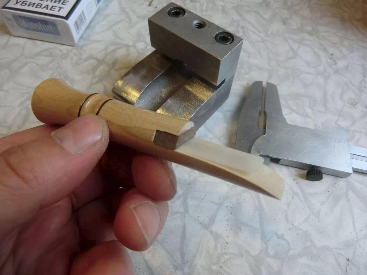 Как сделать манок на утку своими руками?