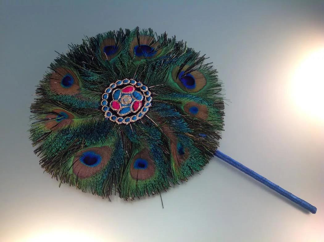 Умельцы делают из перьев различные сувениры