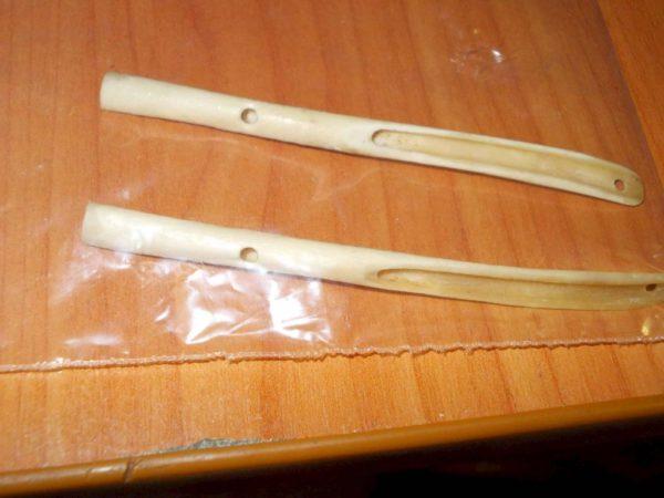 Убираем с трубок все лишние остатки, настраиваем получившийся инструмент