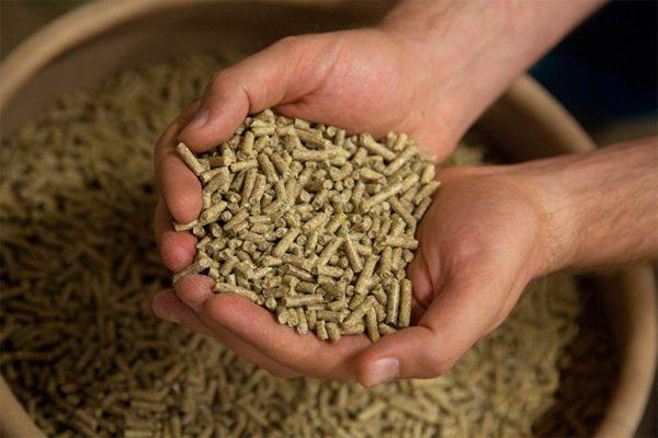 Гранулированная форма самая удобная для подсобного хозяйства и фермеров