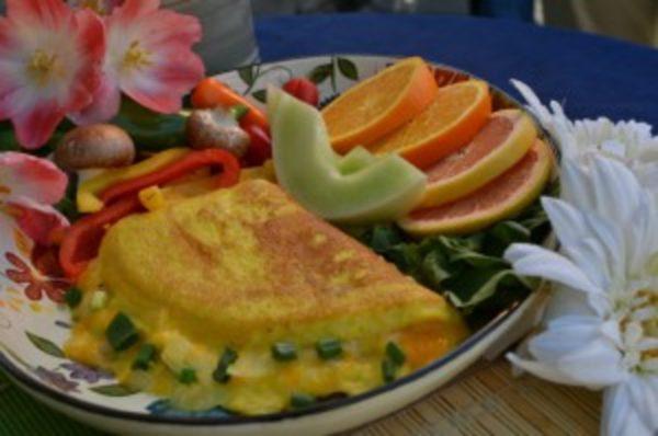 Омлет из страусиного яйца содержит 260 кКал